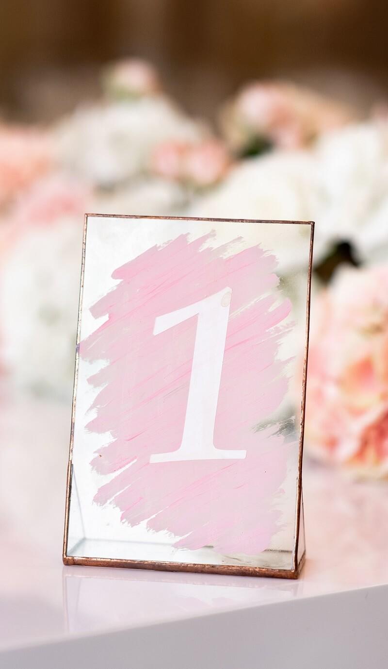 Tischnummer rosa Bilderrahmen