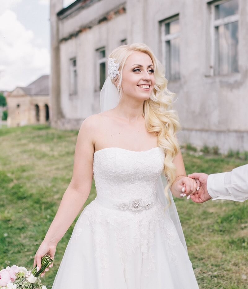Brautfrisur seitlich