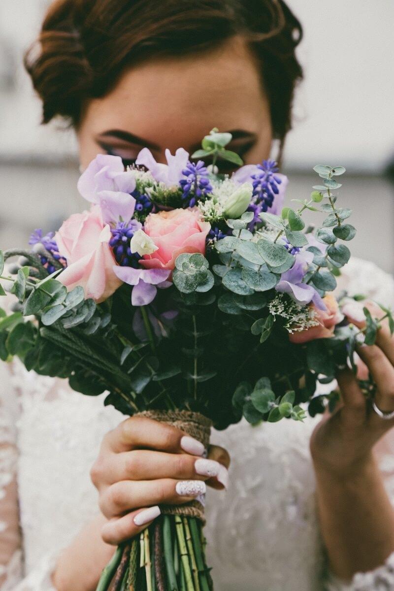 hochzeitsblumen blütezeit, blumen für brautstrauß, blumen hochzeit jahreszeit, hochzeit blumen wann blüht was, blumendeko hochzeit