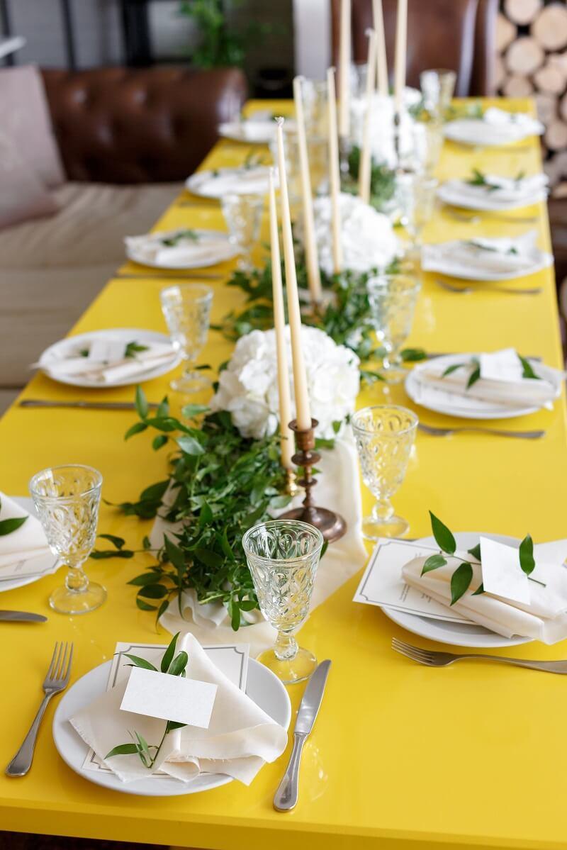 Tischdeko lange Tische, Hochzeit grün weiß