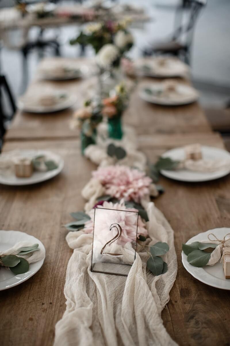 Tischdeko Hochzeit rosa beige