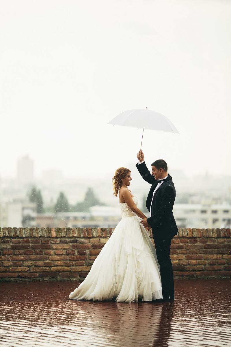 Hochzeitsfotos Regenschirm