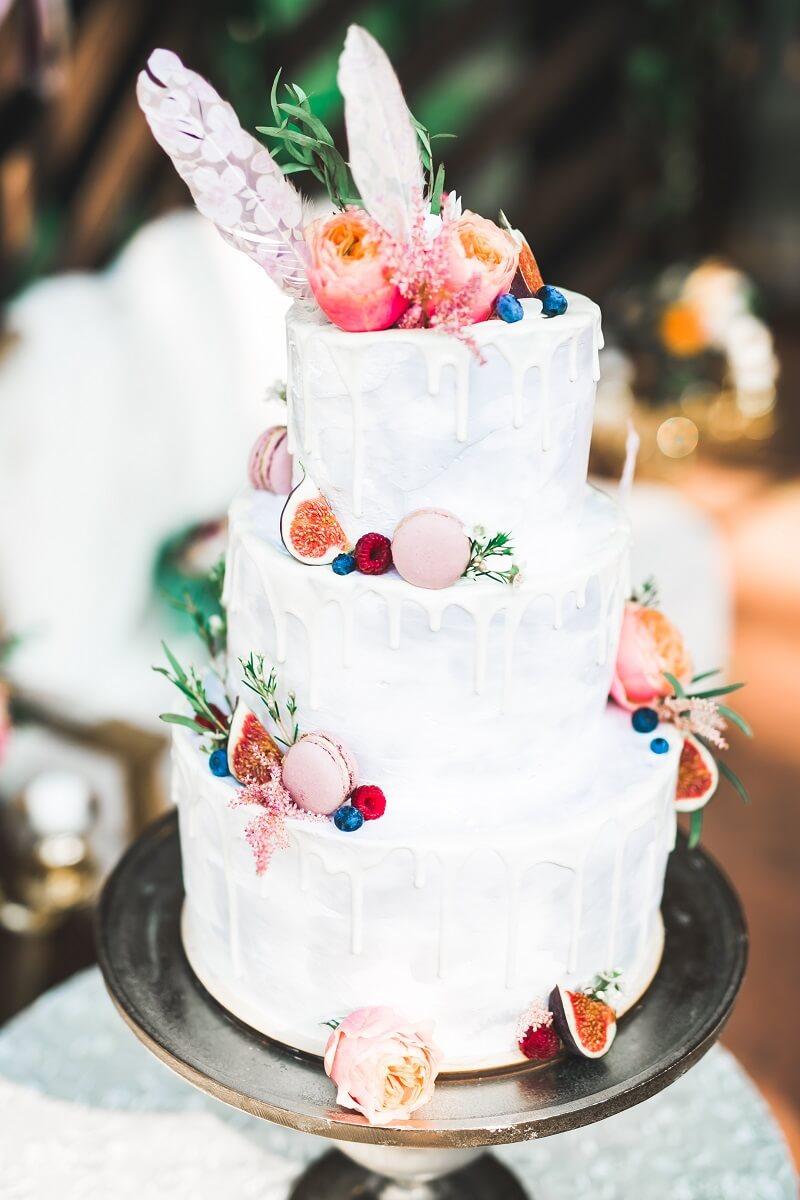 Boho Hochzeitstorte bunt