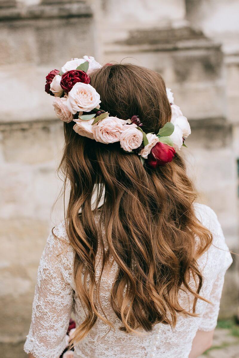 Braut offene Haare, Blumenkranz Braut