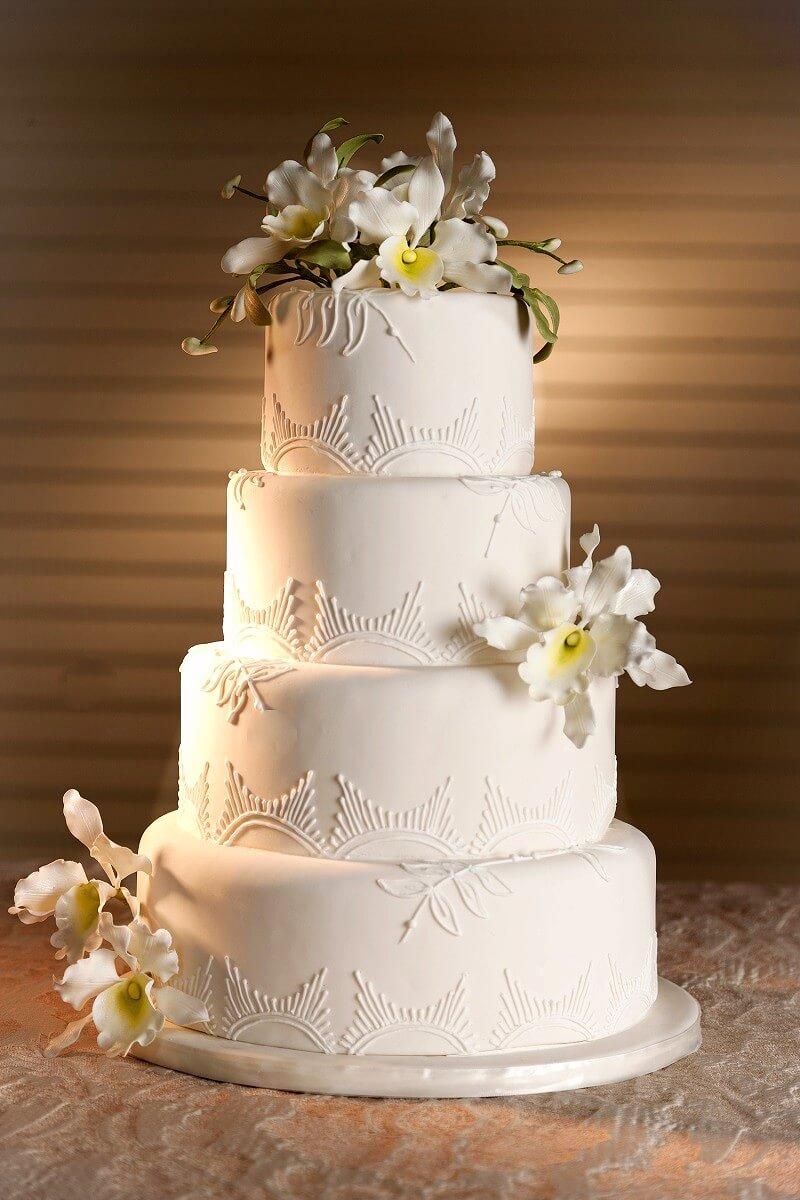 Hochzeitstorte Fondant weiß