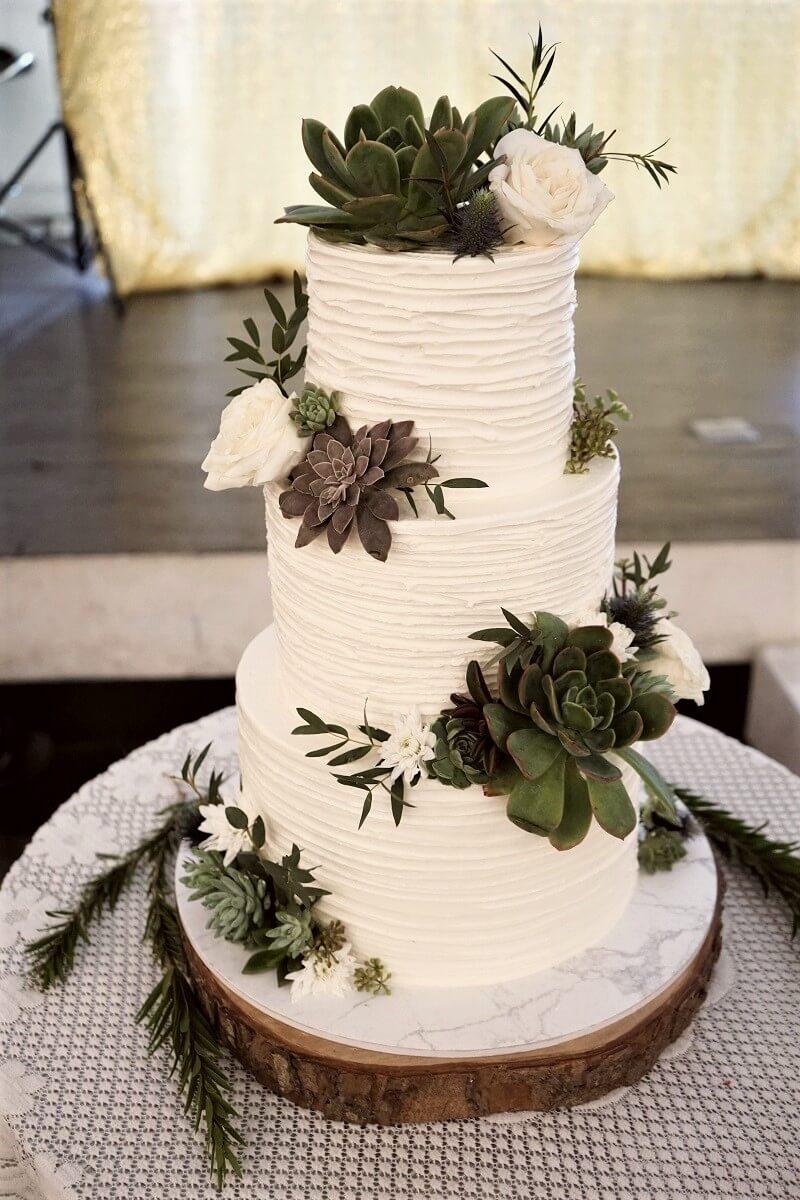 Hochzeitstorte weiß grün