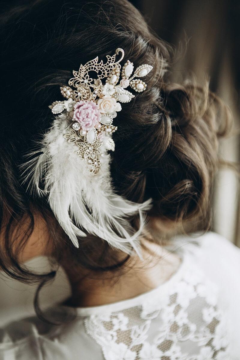 Haarschmuck weiß