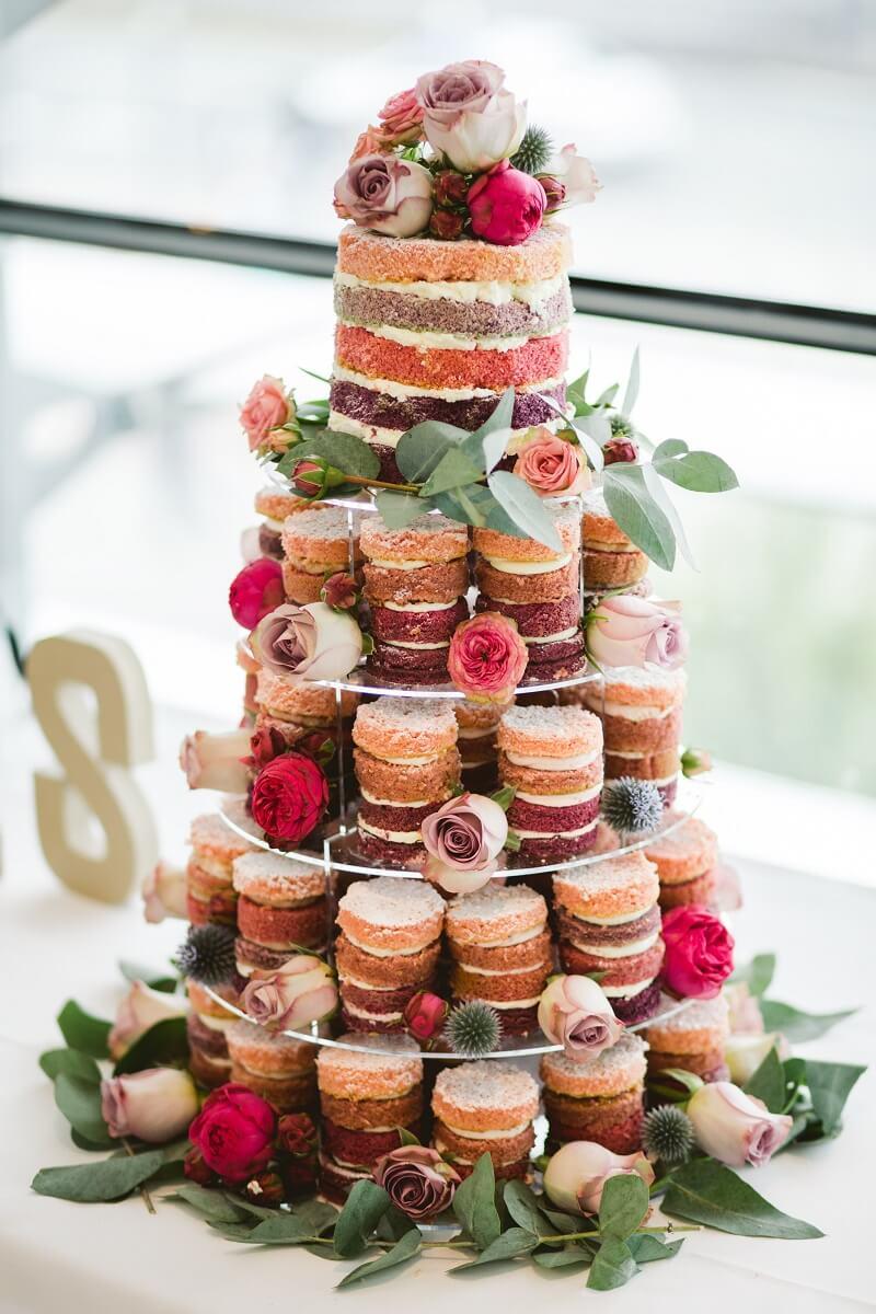 Hochzeitstorte originell Fuchsia