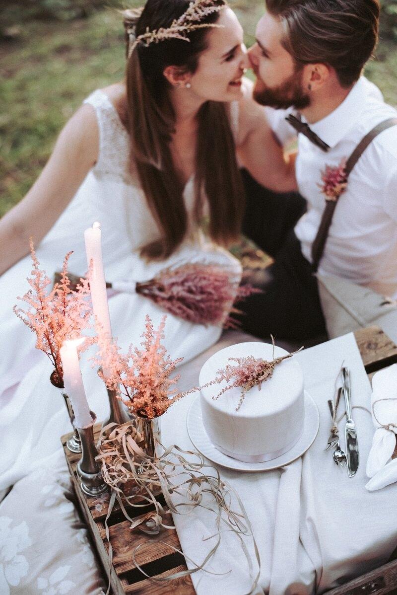 Hochzeit in Rosa und Weiß mit Astilben