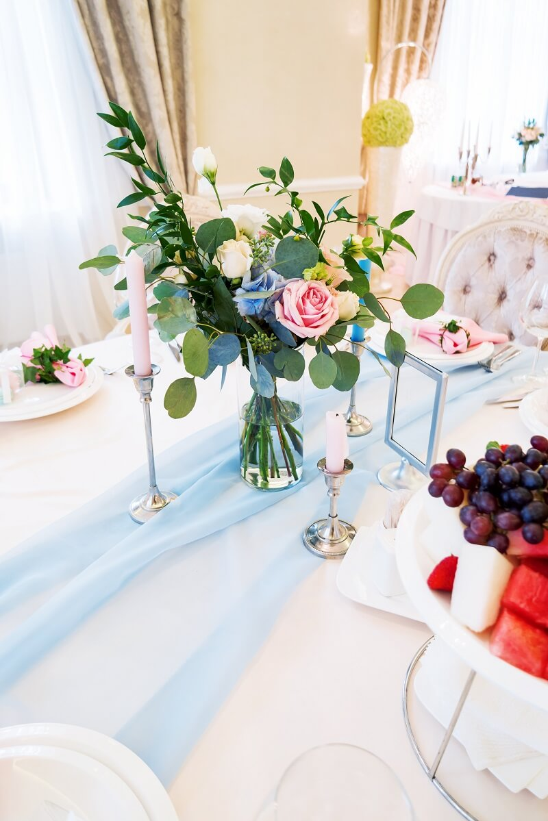 Hochzeit Tischdeko hellblau