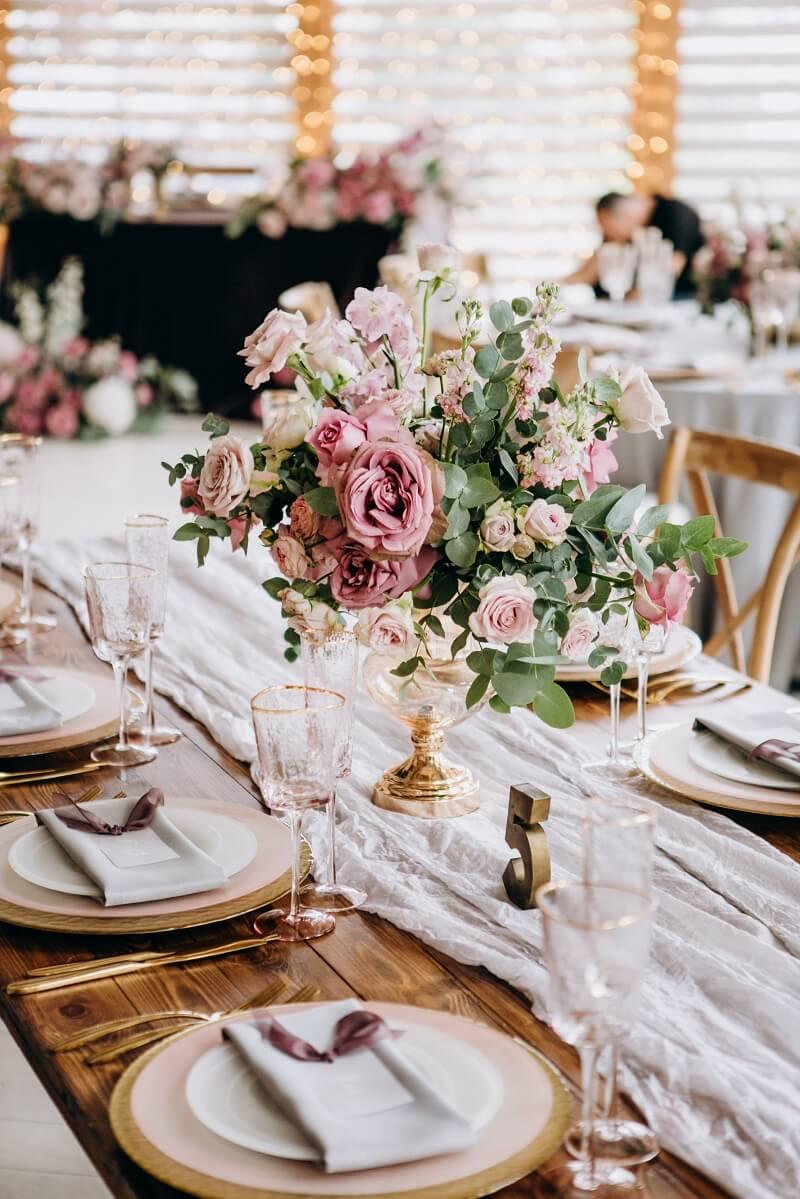 Tischdeko rosa für lange Tische