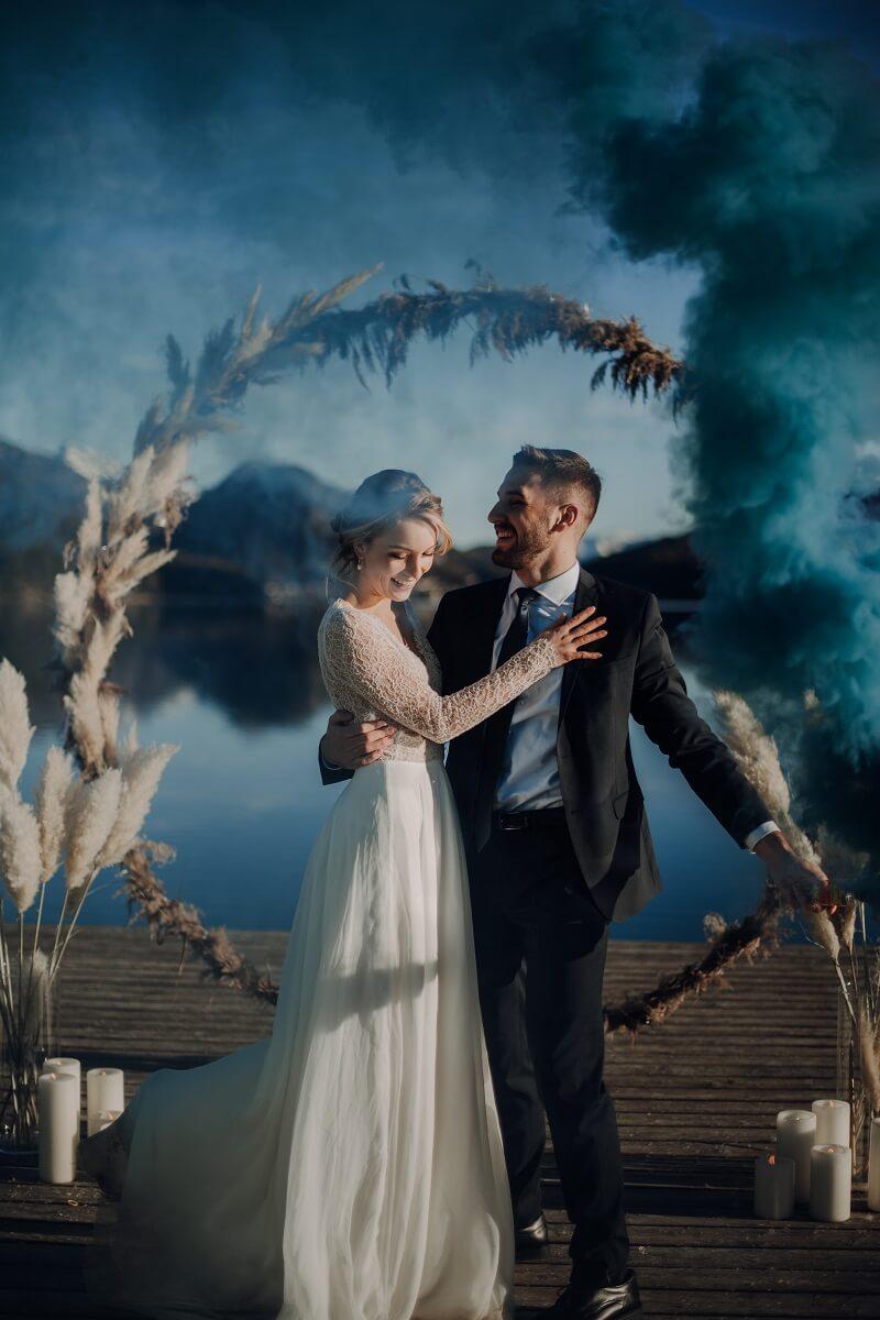 Trauung Deko Pampasgras, Hochzeitsfotos mit Rauchdosen