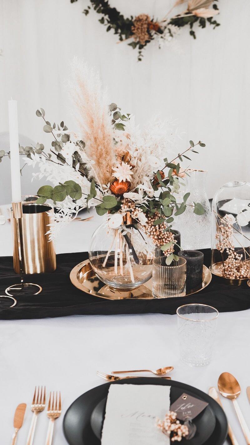 Tischdeko elegant mit Trockenblumen