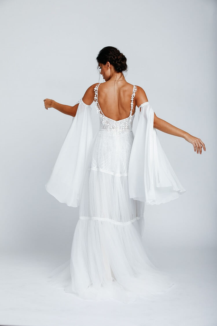 Brautkleid mit abnehmbaren Ärmeln