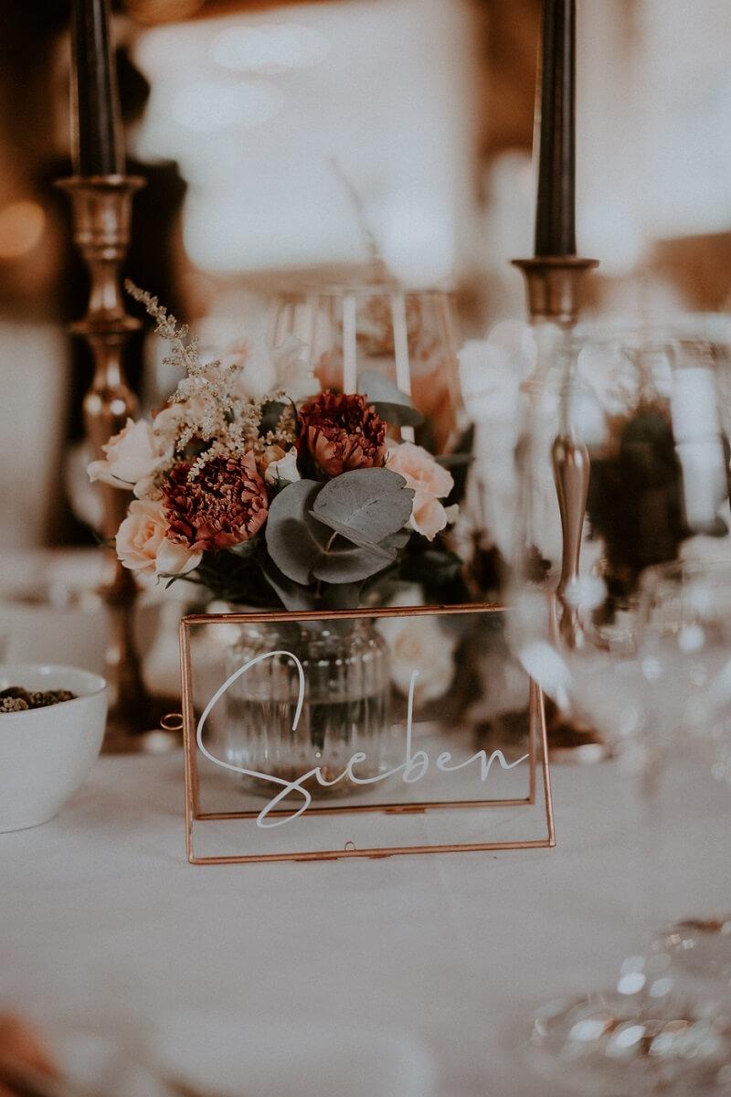 Tischnummern Hochzeit in Kupfer