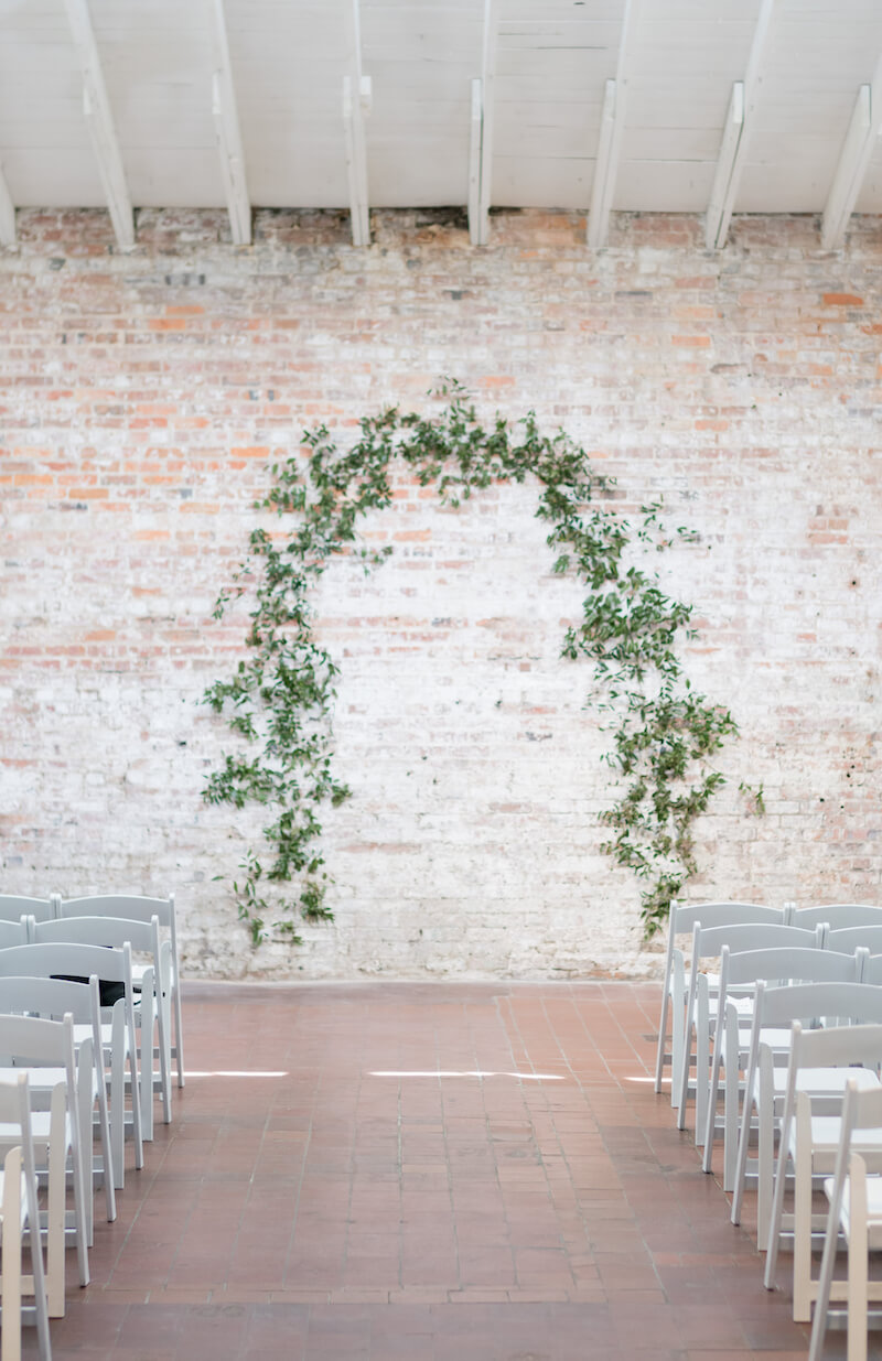 Hochzeitsbogen mit Eukalyptus