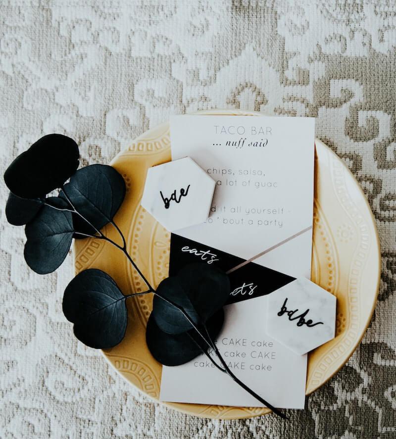 Menükarte Hochzeit schwarz weiß