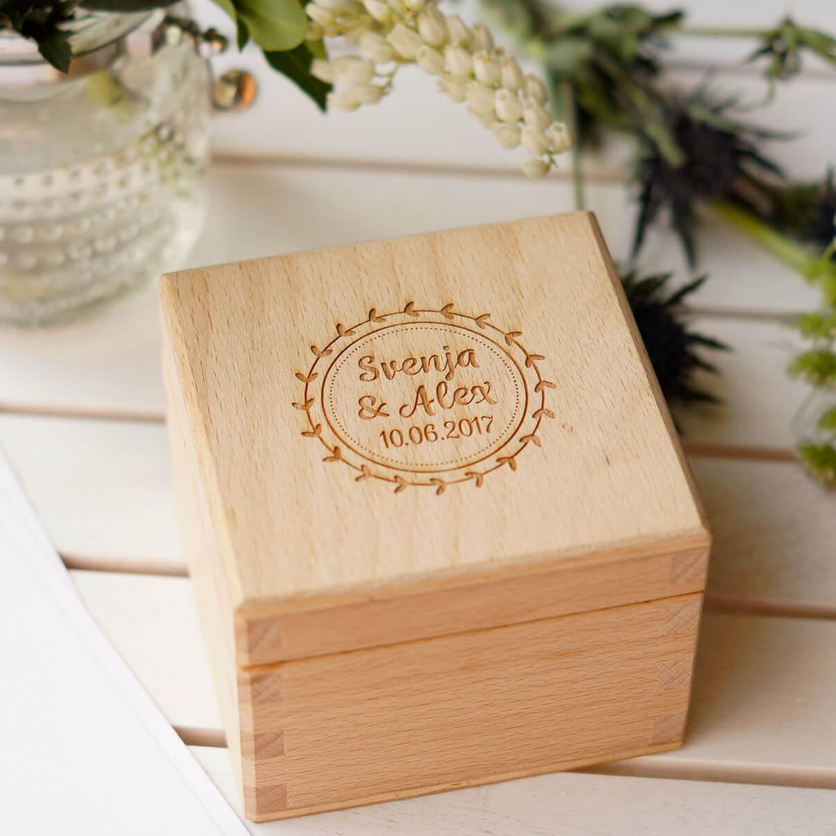 Ringbox mit Hochzeitslogo