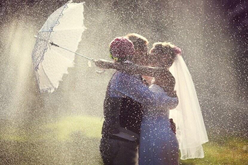 regenschirm hochzeit, hochzeit im regen