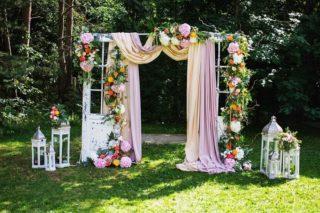 Trends Sommerhochzeit, Torbogen Hochzeit