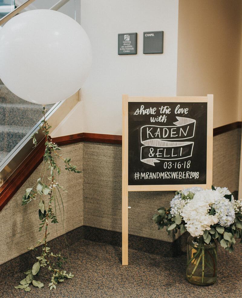 Hochzeitsschild mit Hashtag