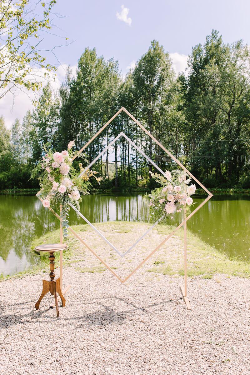 Hochzeitsbogen geometrisch