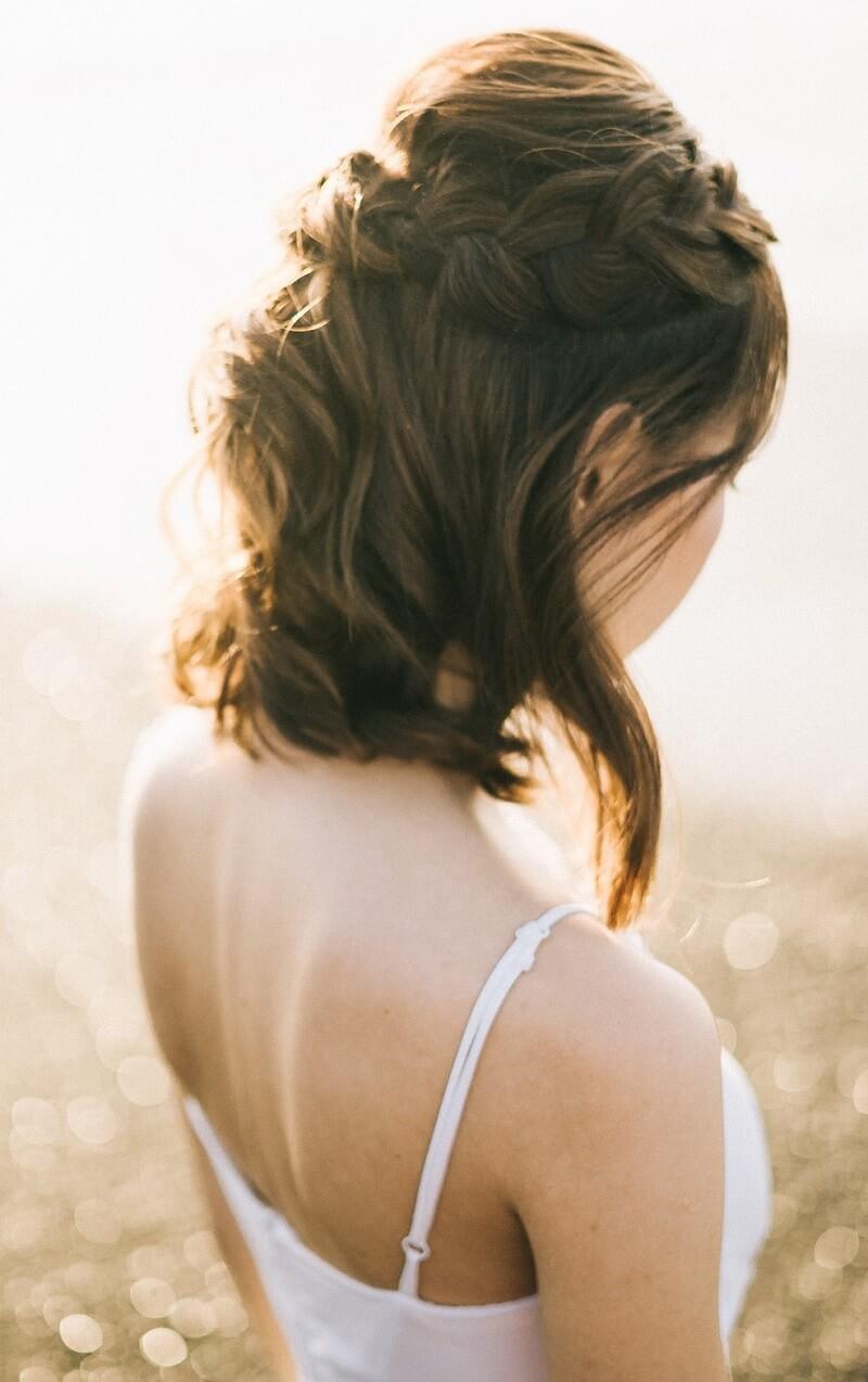 10 Brautfrisur-Ideen für kurze und mittellange Haare - Hochzeitskiste
