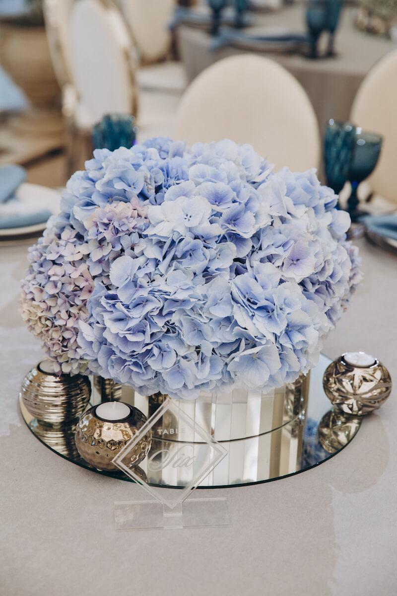 Tischdeko mit Hortensien