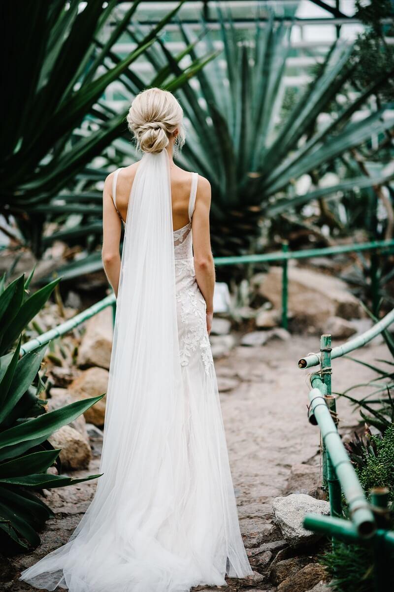 Brautfrisur mit Schleier: 10 Inspirationen - Hochzeitskiste