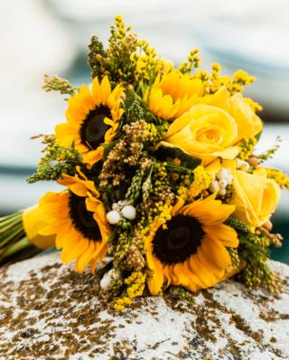 Brautstrauß mit Sonnenblumen