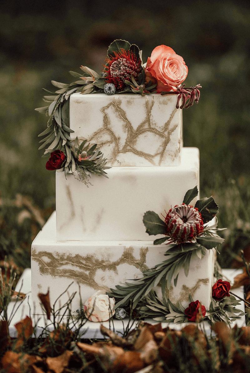 Boho Hochzeitstorte mit Gesteinsmuster, Foto: Sophie Häusler, Torte: KuchenBoutique