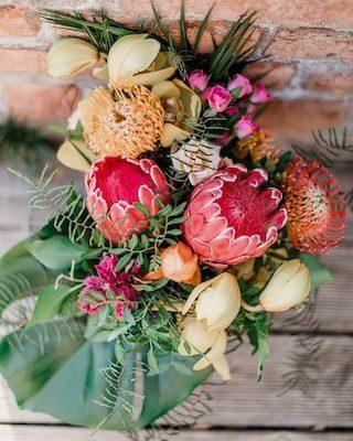 Tiki Hochzeit bunt, Hochzeit exotisch