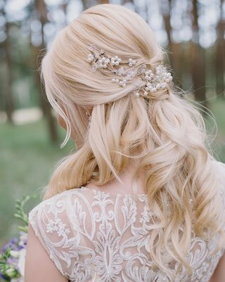 Brautfrisuren mit Haarschmuck