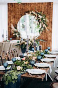 Tischdeko Hochzeit blau, Tischblumen