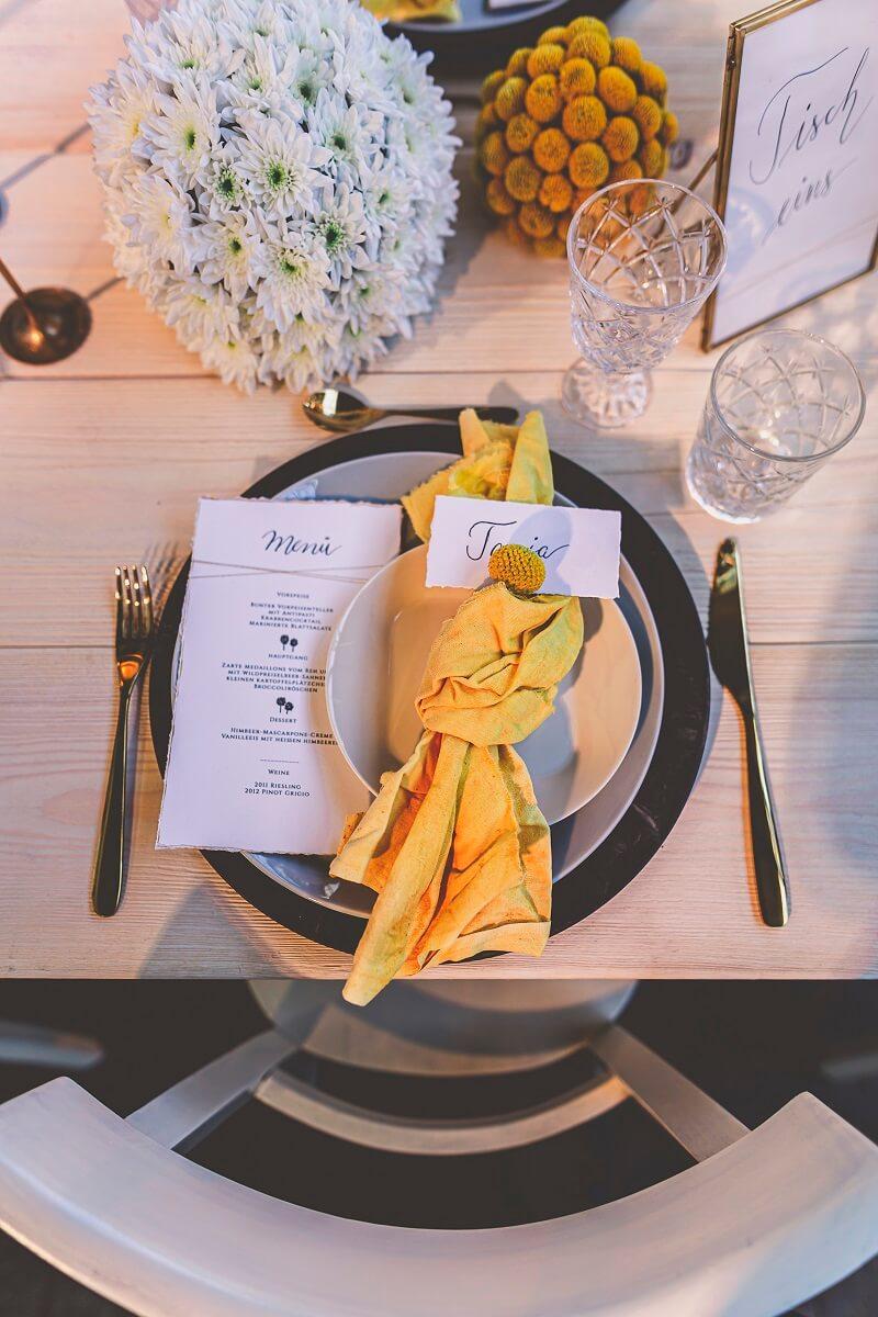 Tischdeko Hochzeit gelb