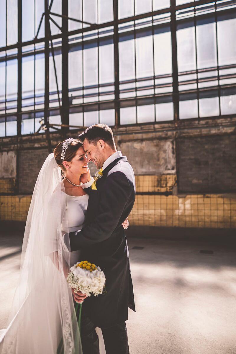 Brautpaar Shooting Fabrik