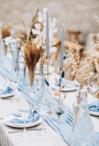 Hochzeitsdeko mit getrockneten Blumen, Tischdeko Hochzeit Trockenblumen