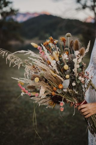 Boho Brautstrauß mit Trockenblumen, Foto: Stephanie Lauer