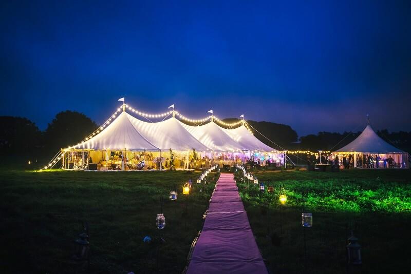 Hochzeitslocation Zelt in Niederösterreich, Schloss Jeutendorf Marquee, Hochzeitslocation ohne Catering
