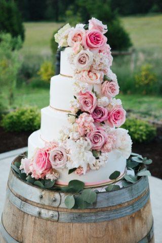 Hochzeitstorte mit Blumen, Hochzeitstorte Rosa