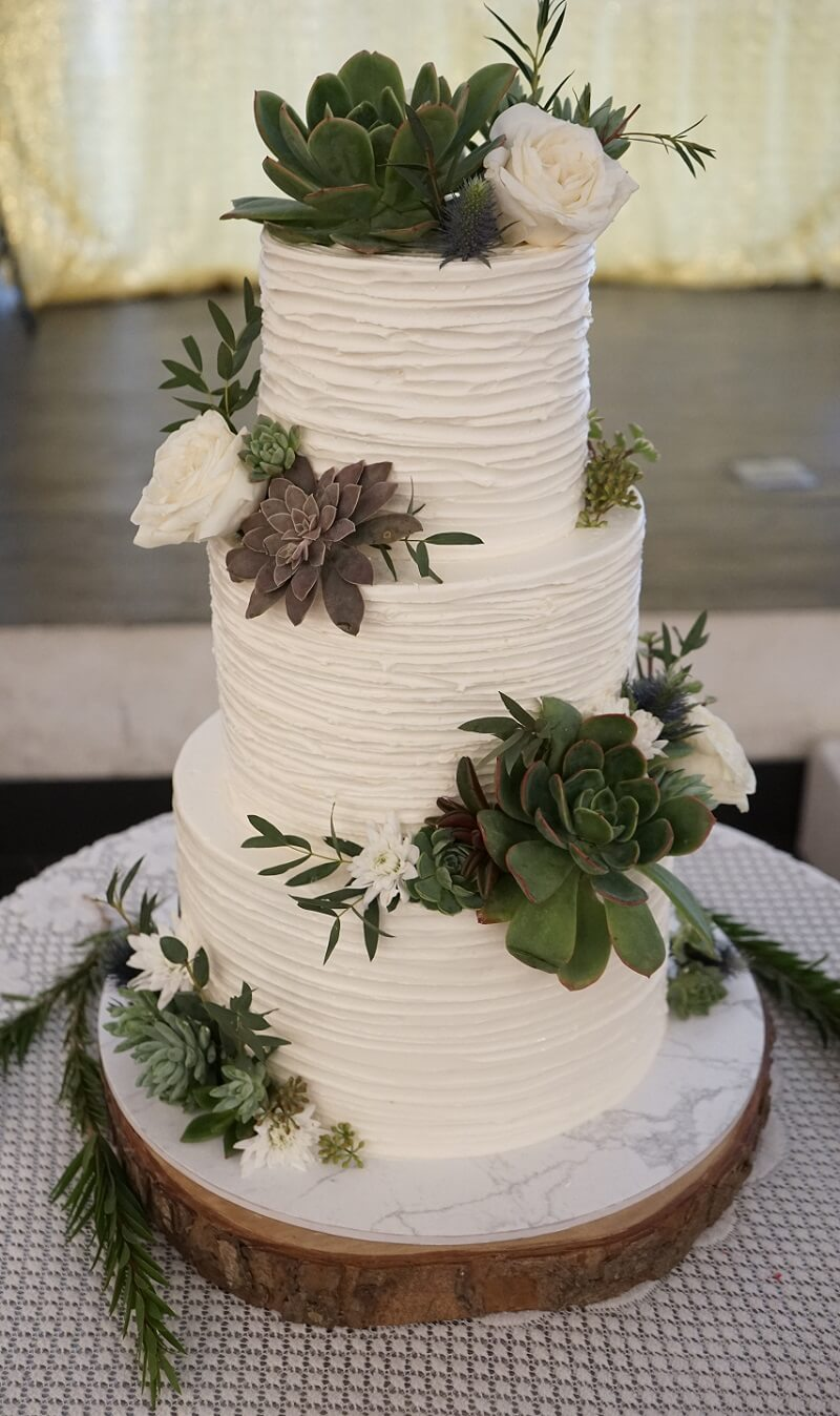 Hochzeitstorte weiß grün, Hochzeitstorte Blumen