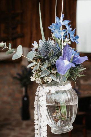 Hochzeitsdeko händend in blau