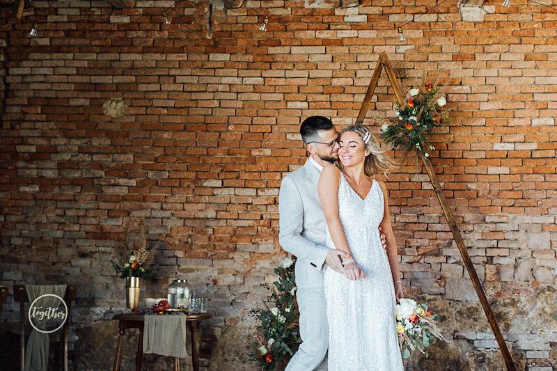 Boho Sommerhochzeit Brautpaar