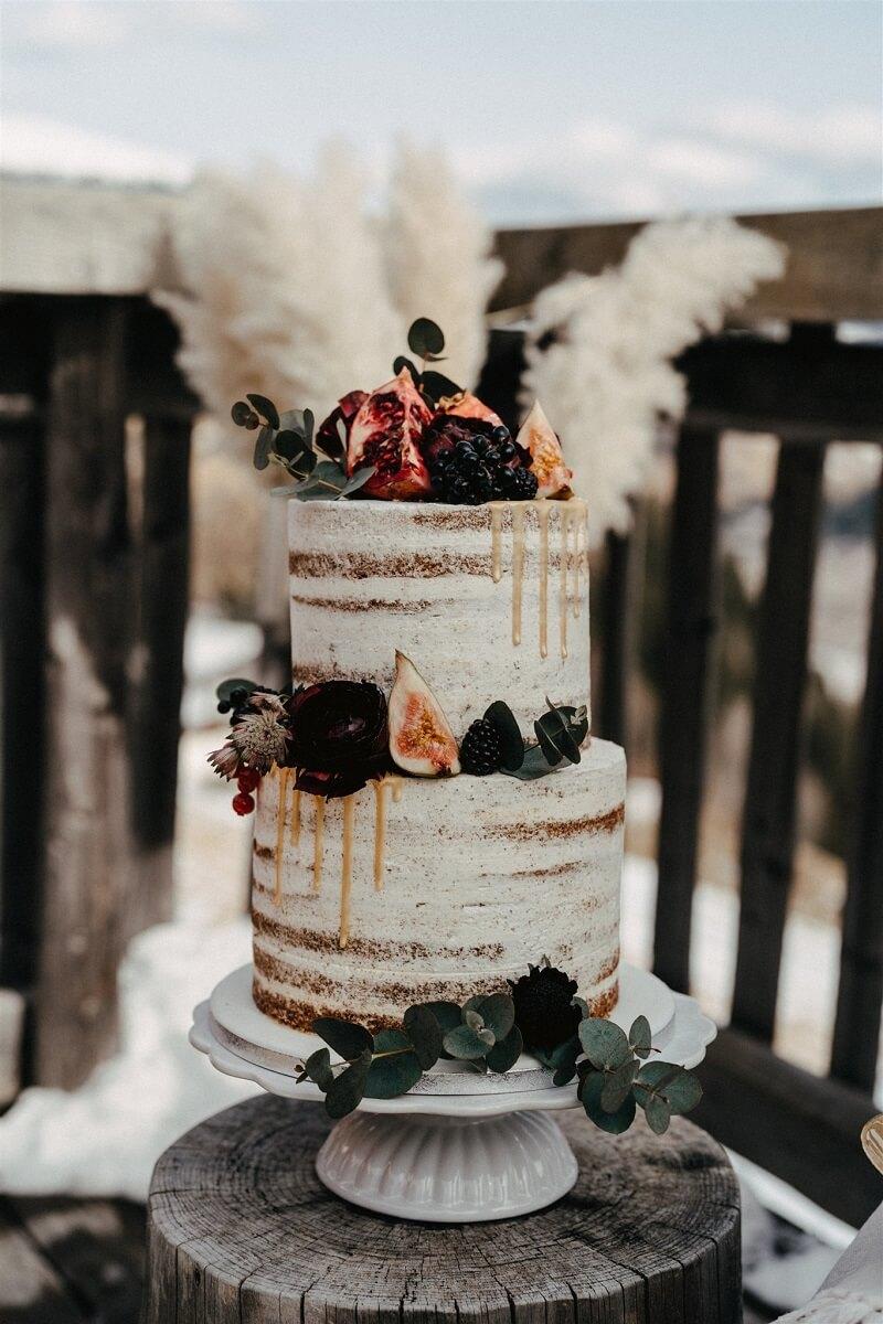 Boho Hochzeitstorte mit Früchten, Foto: Bianca & Lukas