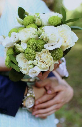 Brautstrauß in Grasgrün