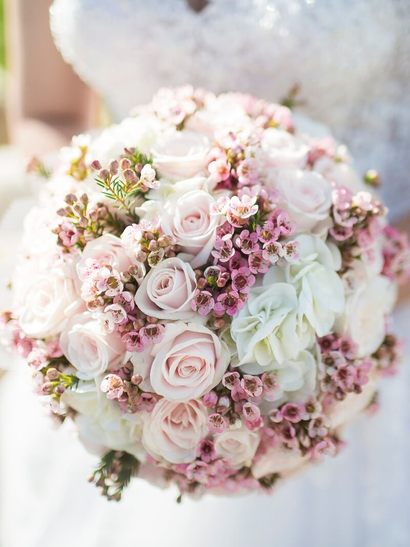 runder Brautstrauß in Rosa