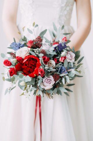 Brautstrauß maritim in Rot und Blau