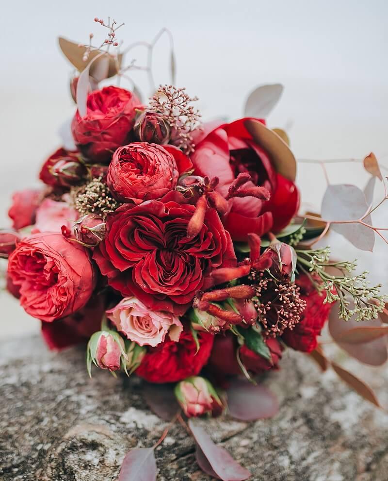 Brautstrauß ganz in Rot