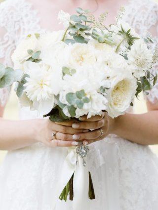 Brautstrauß in Weiß