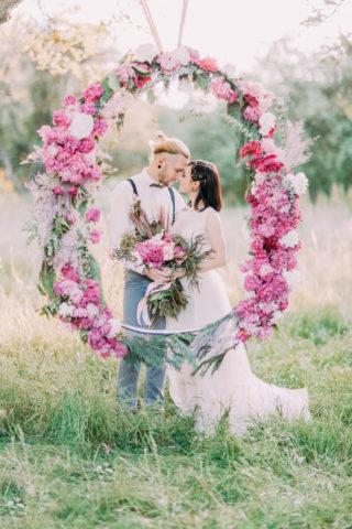 Hochzeitsbogen rund in Rosa